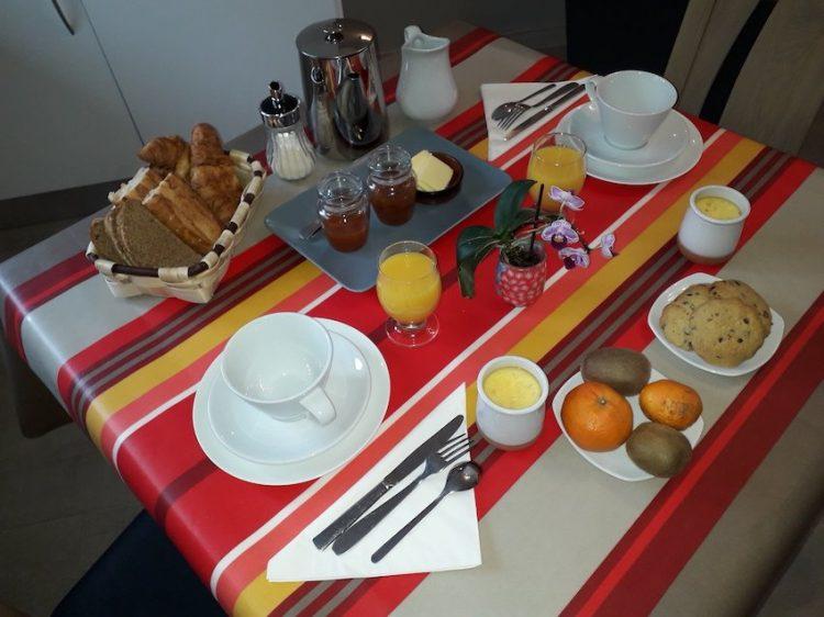 petit déjeuner sucré chambre d'hôte Amalurra Saint-Jean-de-Luz
